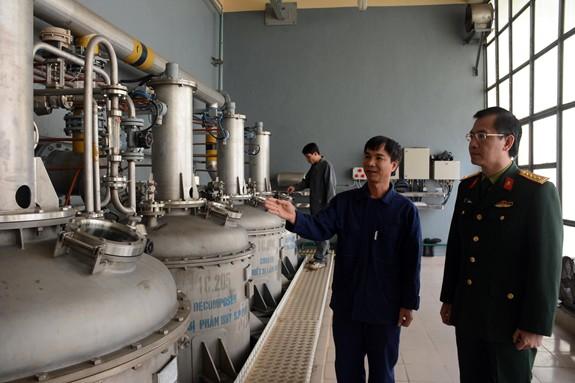 Làm chủ công nghệ sản xuất các loại thuốc phóng, thuốc nổ mạnh quân sự - Ảnh 1.