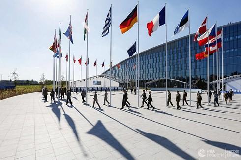 Đặc phái viên Mỹ về Ukraine: Mở rộng NATO có lợi cho Nga - Ảnh 2.