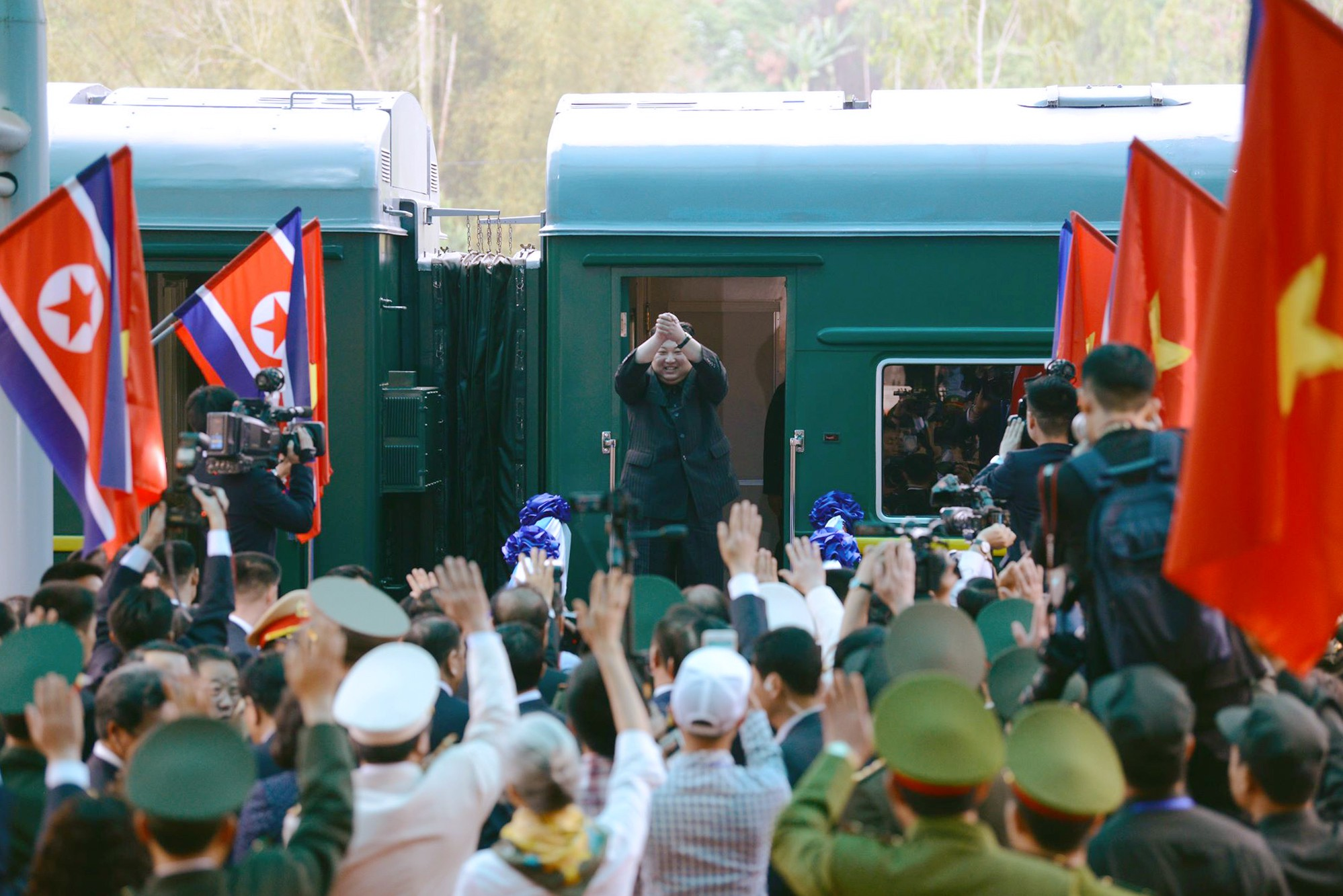 [PHOTO ESSAY] Những khoảnh khắc lịch sử trong chuyến công du Việt Nam đầu tiên của Chủ tịch Kim Jong-un - Ảnh 30.