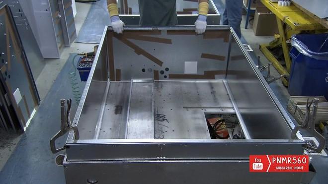 [Vietsub] Tủ lạnh được sản xuất như thế nào? - Ảnh 8.