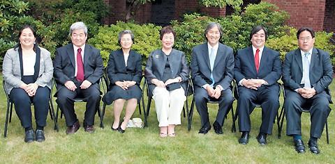 Bí quyết nuôi 6 con thành tiến sĩ Đại học Harvard và Đại học Yale của bà mẹ Hàn Quốc: Đừng hi sinh vì con cái, người mẹ cần lựa chọn sự nghiệp để phát triển bản thân - Ảnh 1.