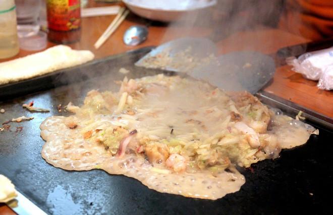 Có đến Nhật Bản thì đừng nhầm bánh xèo okonomiyaki với món này kẻo tẽn tò - Ảnh 10.