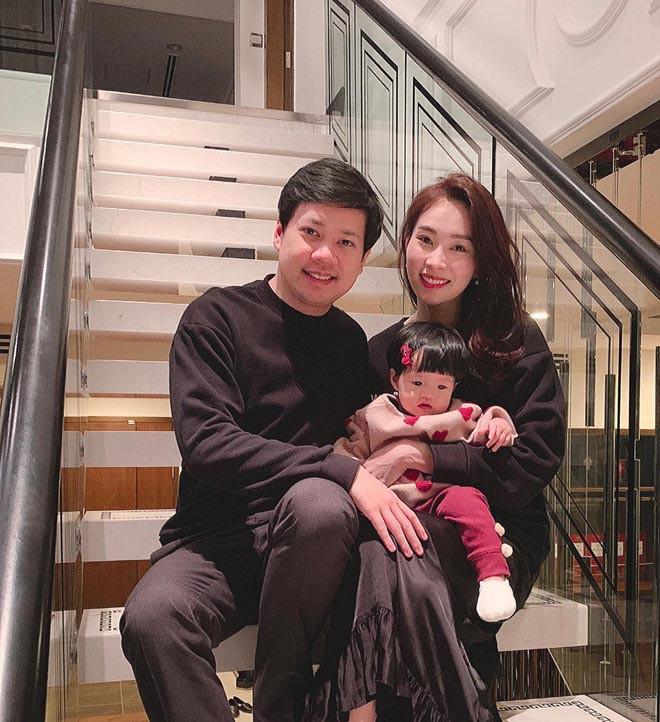 Hoa hậu Việt lọt top 100 mỹ nhân đẹp nhất châu Á: Sống giàu có, được chồng đại gia cưng chiều - Ảnh 10.