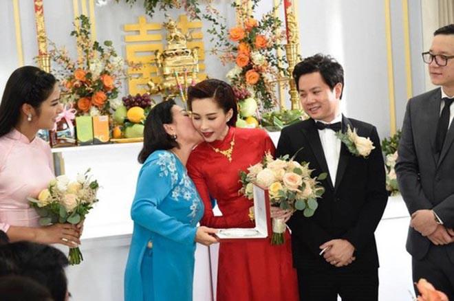 Hoa hậu Việt lọt top 100 mỹ nhân đẹp nhất châu Á: Sống giàu có, được chồng đại gia cưng chiều - Ảnh 4.