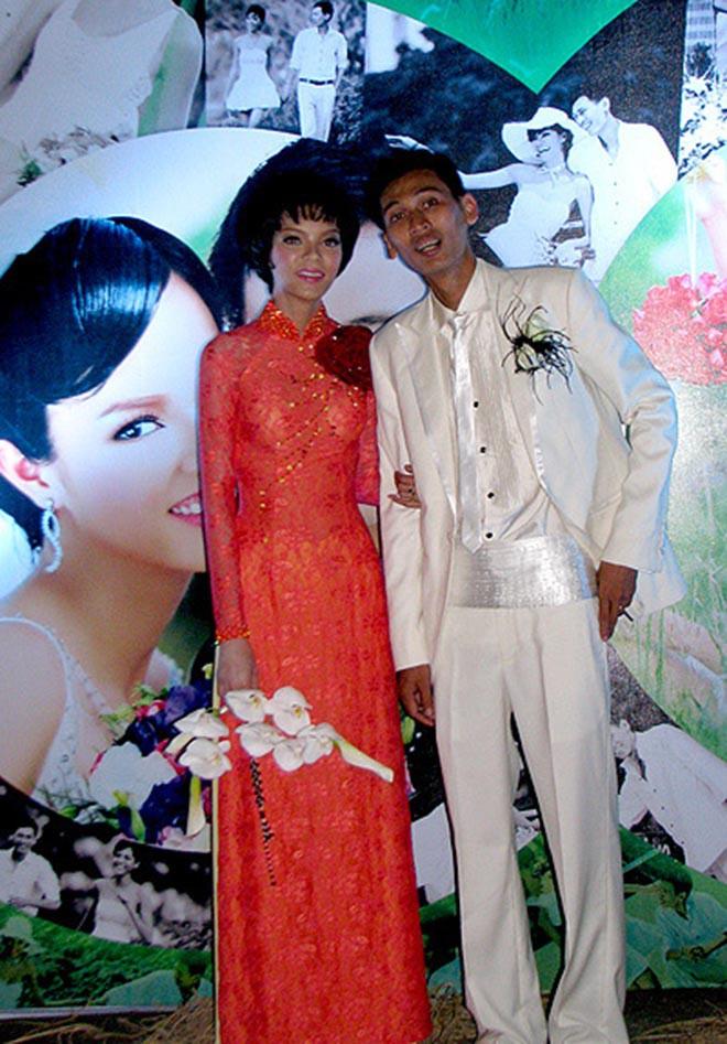 Siêu mẫu Việt nóng bỏng bị chê lấy chồng nghèo, không đẹp trai giờ ra sao? - Ảnh 8.