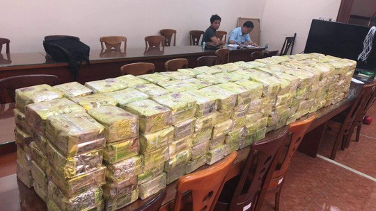 Vụ phá đường dây 300kg ma túy xuyên quốc gia như trong phim hành động, cảnh sát ra tay rất nhanh - Ảnh 1.