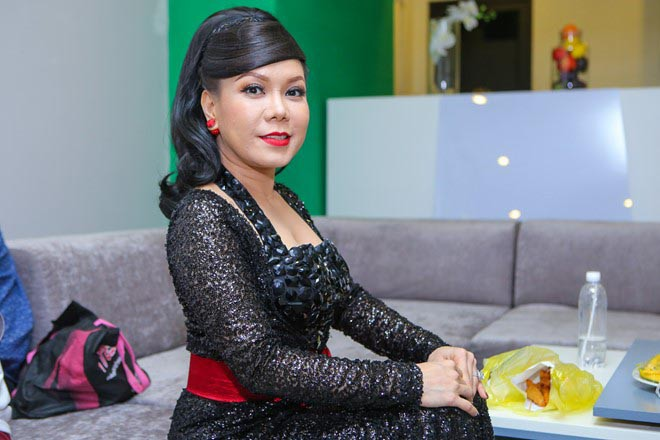 Cuộc sống của nữ danh hài giàu nhất Việt Nam sau khi lấy chồng lần 2 - Ảnh 7.