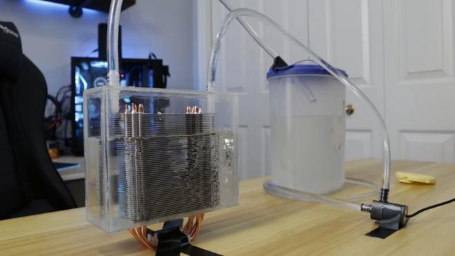 Dùng tản nhiệt khí nhưng lại làm mát bằng nước đá, Youtuber khiến dân PC bất ngờ vì quá sáng tạo - Ảnh 7.