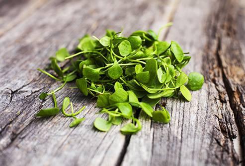 9 loại rau bổ dưỡng cực tốt cho sức khỏe của bạn - Ảnh 2.