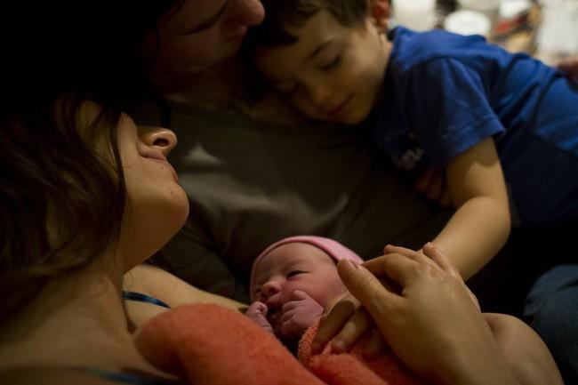 """""""Khung giờ vàng cho mẹ và bé sau sinh"""" – Bộ ảnh gây xúc động mạnh không phải ai cũng có cơ hội được trải nghiệm - Ảnh 5."""