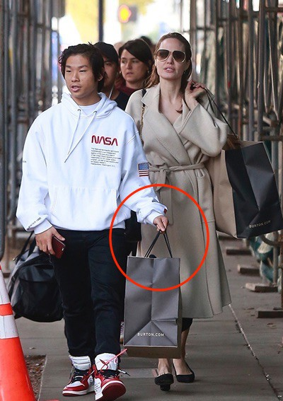 Nhờ hành động đặc biệt này, Pax Thiên là đứa con được Angelina Jolie yêu thương nhất - Ảnh 4.