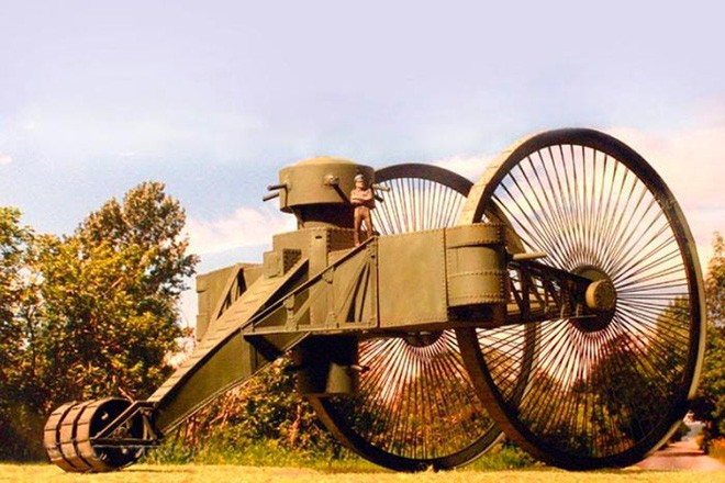 [Vietsub] Tìm hiểu về chiếc xe tăng Sa Hoàng độc nhất vô nhị trong thế chiến I: Cao 9 m, nặng 40 tấn nhưng chỉ là món đồ chơi phóng to - Ảnh 5.