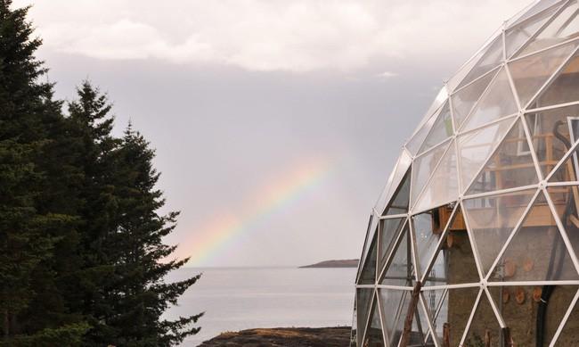 Ấn tượng với ngôi nhà trong suốt hình cầu đặc biệt được xây dựng ngay gần Bắc Cực của gia đình 6 người - Ảnh 8.