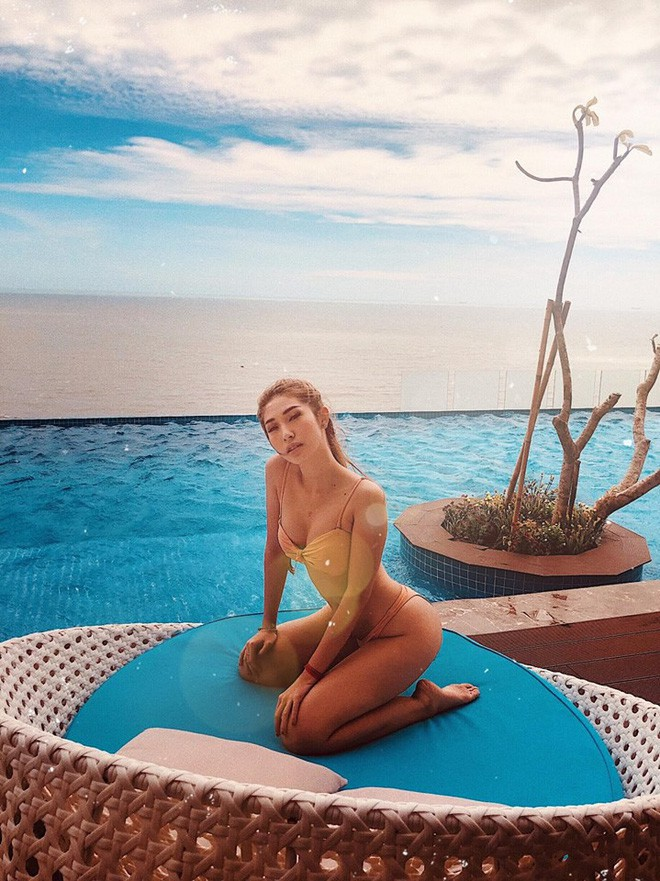 Diện bikini khoe vòng 3 nảy nở, Khổng Tú Quỳnh chính thức vào đường đua mỹ nhân gợi cảm Vbiz - Ảnh 4.