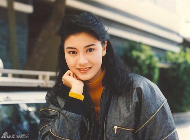 """Ở Hong Kong có 2 thứ không bao giờ phải nghi ngờ đó là tiền của Lý Gia Thành và sắc đẹp của Lý Gia Hân""""  - Ảnh 8."""