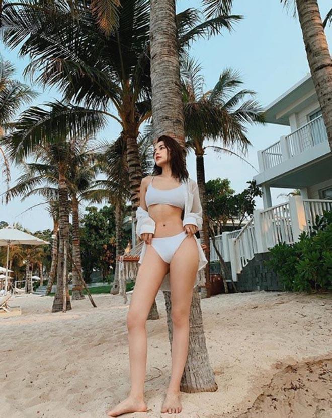 Chi Pu tiếp tục khoe hình bikini quyến rũ - Ảnh 1.
