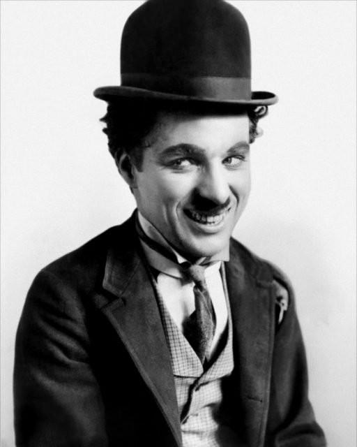 Nỗi đau âm ỉ cả đời của vua hề Chaplin: Bị gửi cả lông trắng đến nhà để giễu cợt - Ảnh 1.