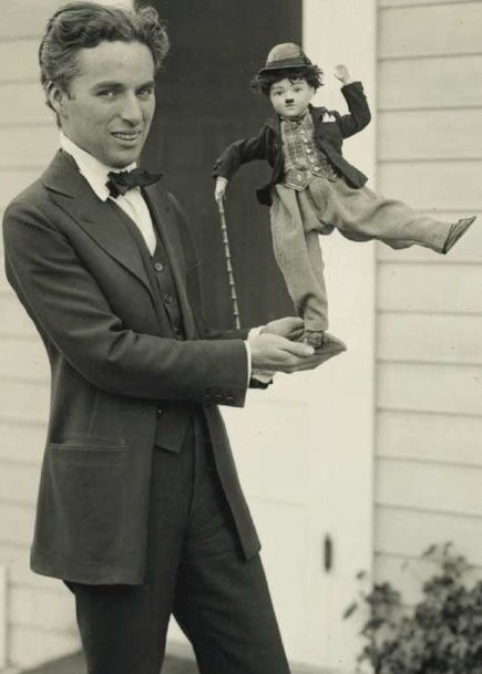 Nỗi đau âm ỉ cả đời của vua hề Chaplin: Bị gửi cả lông trắng đến nhà để giễu cợt - Ảnh 5.