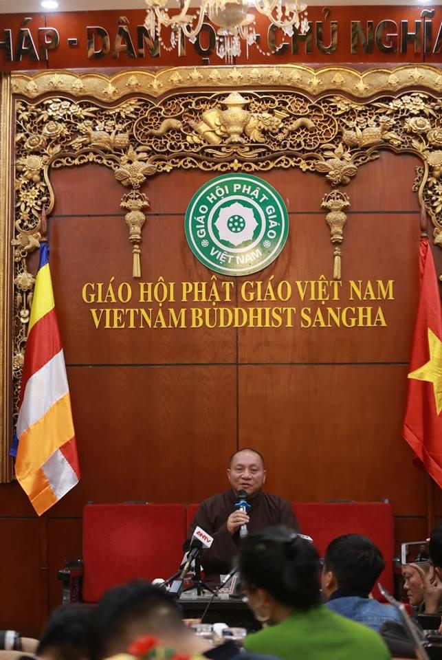 Đại đức Thích Trúc Thái Minh, trụ trì chùa Ba Vàng bị đề nghị tạm đình chỉ mọi chức vụ - Ảnh 4.