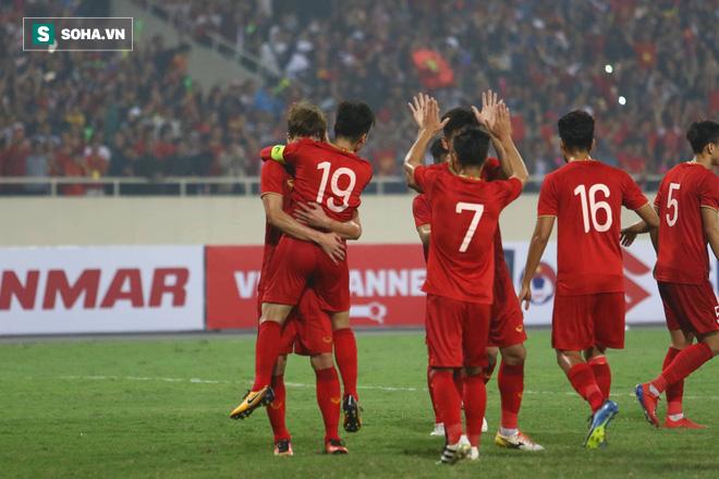 Đội tuyển Việt Nam mang màu áo may mắn trong trận quyết đấu với Thái Lan - Ảnh 2.