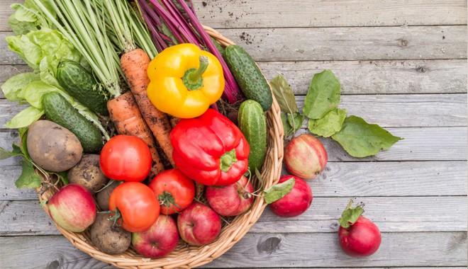 Ăn củ quả hay rau ăn lá an toàn hơn: Bật mí từ chuyên gia khiến nhiều người suy nghĩ lại - Ảnh 1.