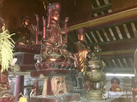 """Độc đáo bức tượng """"đầu người đội Phật"""" nghìn năm tuổi - Ảnh 2."""