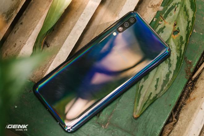 Đánh giá chi tiết Samsung Galaxy A50 - Mới mẻ từ trong ra ngoài, nhưng vẫn có vị Samsung - Ảnh 28.