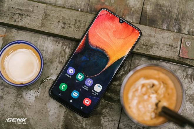 Đánh giá chi tiết Samsung Galaxy A50 - Mới mẻ từ trong ra ngoài, nhưng vẫn có vị Samsung - Ảnh 8.