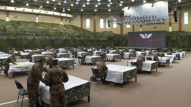 Quân đội Trung Quốc căng thẳng: Hơn 200 tướng đi thi, kéo dài tới tận đêm khuya - Ảnh 1.