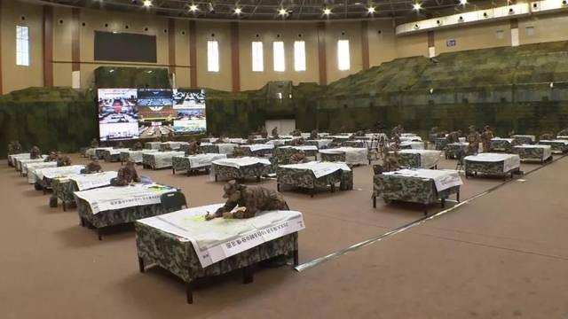 Quân đội Trung Quốc căng thẳng: Hơn 200 tướng đi thi, kéo dài tới tận đêm khuya - Ảnh 3.