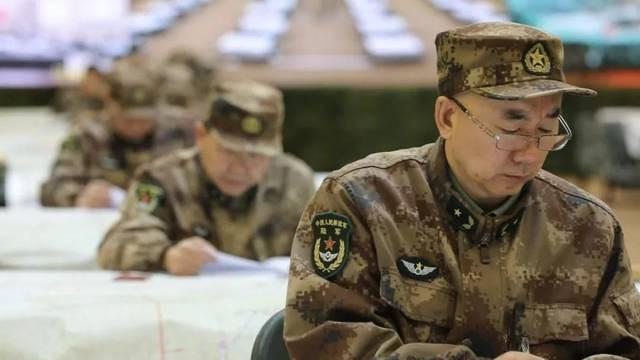 Quân đội Trung Quốc căng thẳng: Hơn 200 tướng đi thi, kéo dài tới tận đêm khuya - Ảnh 4.