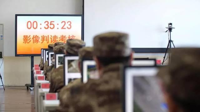 Quân đội Trung Quốc căng thẳng: Hơn 200 tướng đi thi, kéo dài tới tận đêm khuya - Ảnh 8.