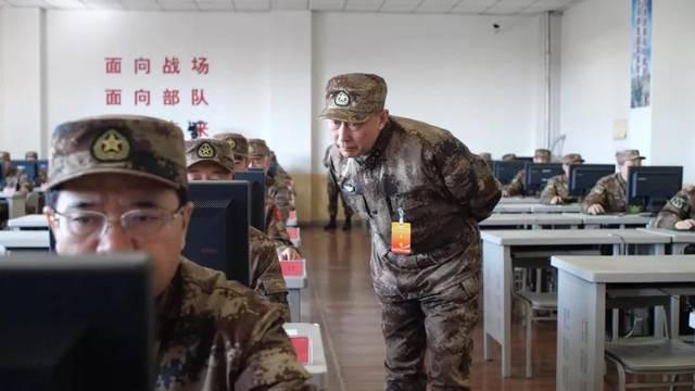 Quân đội Trung Quốc căng thẳng: Hơn 200 tướng đi thi, kéo dài tới tận đêm khuya - Ảnh 11.