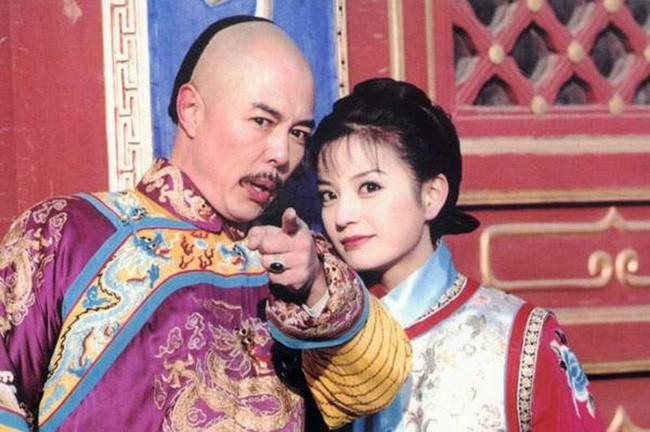 """""""Hoàng A Mã"""" Trương Thiết Lâm: Đào hoa từ trong phim ra ngoài đời và những scandal tình ái ồn ào khiến công chúng ngán ngẩm - Ảnh 1."""