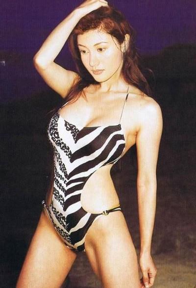 Tỷ phú phong lưu nhất Hong Kong: Chuyên săn mỹ nhân, U70 lấy thêm vợ đẹp kém 30 tuổi - Ảnh 3.
