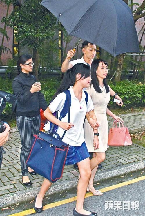 Tỷ phú phong lưu nhất Hong Kong: Chuyên săn mỹ nhân, U70 lấy thêm vợ đẹp kém 30 tuổi - Ảnh 14.