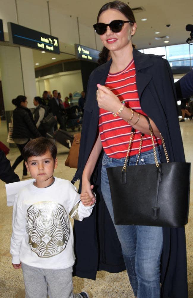 Cựu thiên thần Victorias Secret Miranda Kerr mang bầu lần 2 cho chồng tỉ phú kém 7 tuổi - Ảnh 1.