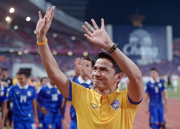 Cựu HLV ĐTVN: Kiatisak không đủ tầm so sánh với ông Park - Ảnh 1.