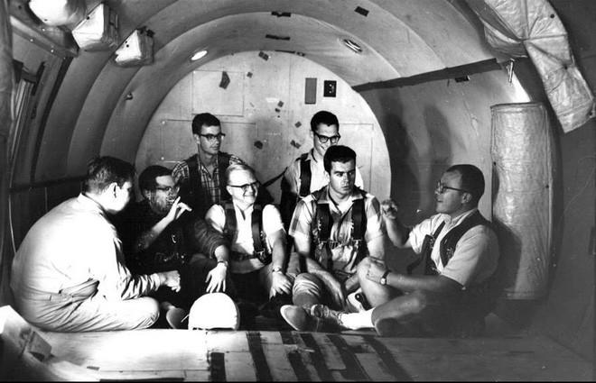 NASA có thể đưa phi hành gia ra Vũ trụ là nhờ 11 người đàn ông khiếm thính - Ảnh 4.