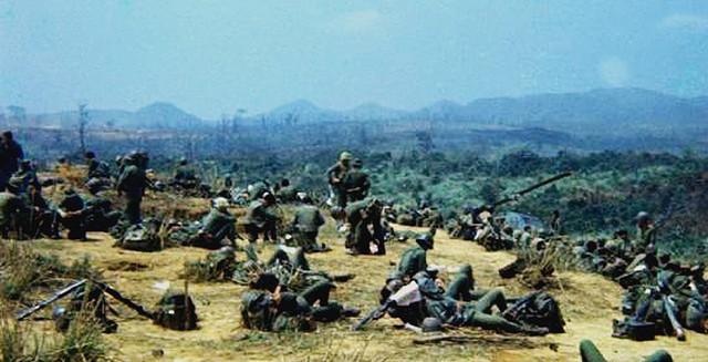 Mĩ quyết tâm chống phá miền Bắc, lấy cả pháo đài bay B52 để tập kích Hà Nội - Ảnh 3.