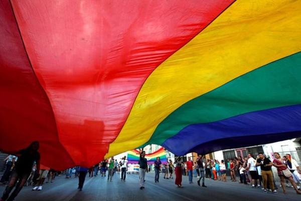 Brunei cho phép ném đá người quan hệ đồng tính tới chết kể từ tuần tới - Ảnh 4.