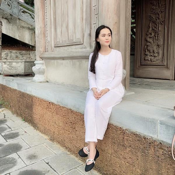 Cận cảnh Quỳnh Anh diện cây đồ hiệu của Duy Mạnh - Ảnh 1.