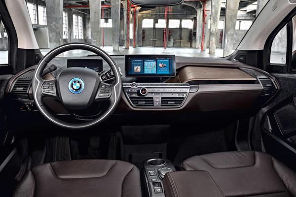 Những mẫu ô tô có nội thất độc lạ nhất hiện nay - Ảnh 6.