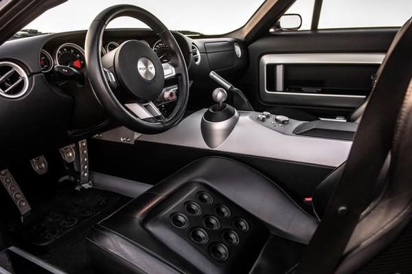 Những mẫu ô tô có nội thất độc lạ nhất hiện nay - Ảnh 9.