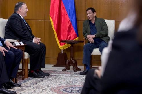 Philippines lo ngại bị kéo vào cuộc đấu Mỹ-Trung ở Biển Đông - Ảnh 1.