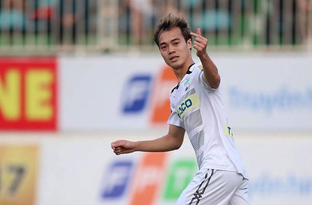 Xót xa cho Văn Toàn, fan đồng loạt tấn công fanpage HAGL kêu gọi HLV Dương Minh Ninh từ chức - Ảnh 1.