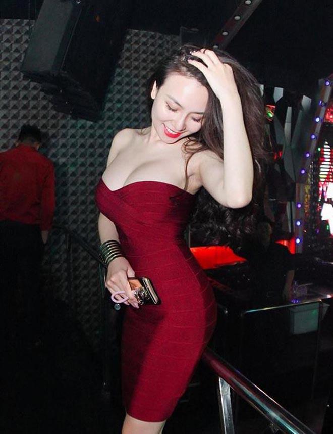 Vợ Khắc Việt nóng bỏng nhất showbiz Việt? - Ảnh 4.