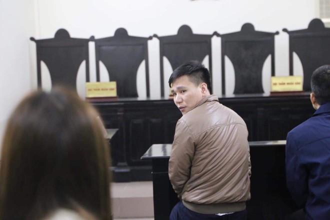 Hình ảnh ca sĩ Châu Việt Cường xuất hiện tại tòa sau 1 năm tạm giam - Ảnh 6.