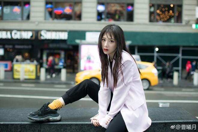 Dàn cast Tân Ỷ Thiên Đồ Long Ký 2019: Người vướng tin đồn thẩm mỹ, kẻ lộ ảnh qua đêm cùng gà cưng Triệu Lệ Dĩnh - Ảnh 41.