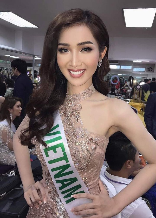 Nhật Hà chặt đẹp dàn thí sinh ở phần thi dạ hội tại chung kết Miss International Queen 2019 - Ảnh 1.